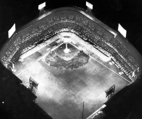 1948 : First Night Game for Detroit Tigers